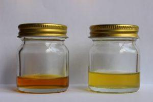 茶油と椿油の写真